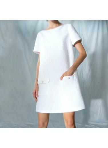 Yargıcı Cep Detaylı Elbise Beyaz